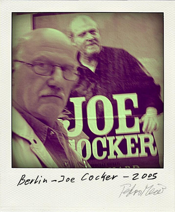 Pedro Meier mit Joe Cocker in Berlin – Polaroid Diary 2005 by © Pedro Meier Selfie Art Project, PhotoArt, Fotokünstler, Lyriker, Maler, Schriftsteller, Amrain Verlag, Niederbipp, Olten, Bangkok BACC, SIKART Zürich, ProLitteris Visarte – www.Autorenwelt.de