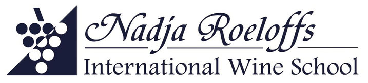 Logo der International Wine School Nadja Roeloffs - WSET Kurse in Deutschland