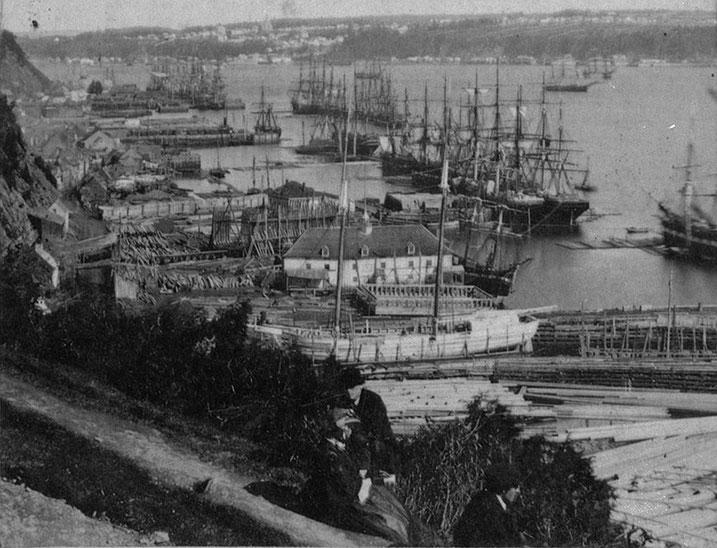 Le port de Québec et ses chantiers navals en 1865, le Brunelle est peut etre un des navires au mouillage sur le fleuve Saint Laurent (Coll  archives du Canada))