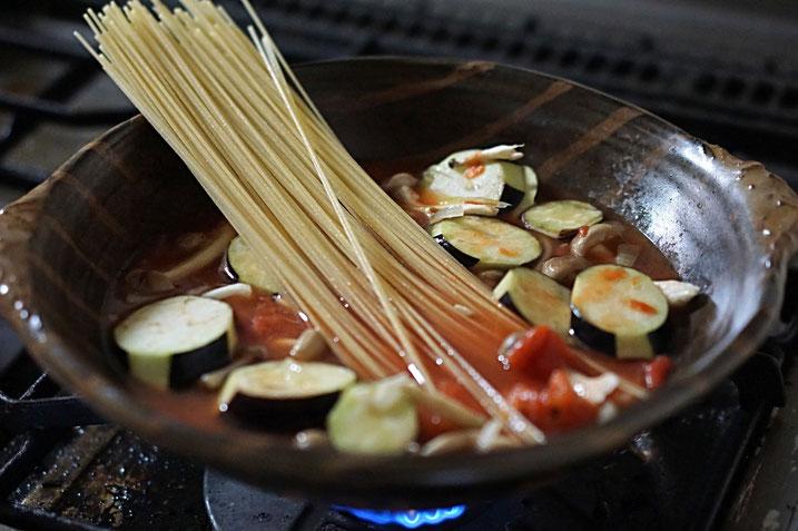 仲本律子 R工房 女性陶芸家 粉引作品 土鍋作品 料理 パスタ ブログ