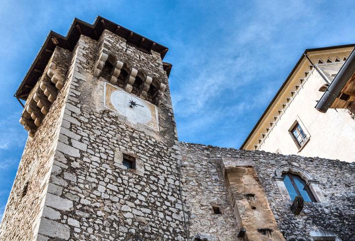 Fontecchio, Torre dell'Orologio. Abruzzo aquilano