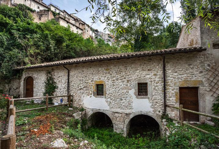 Pettorano sul Gizio, borgo d'Abruzzo