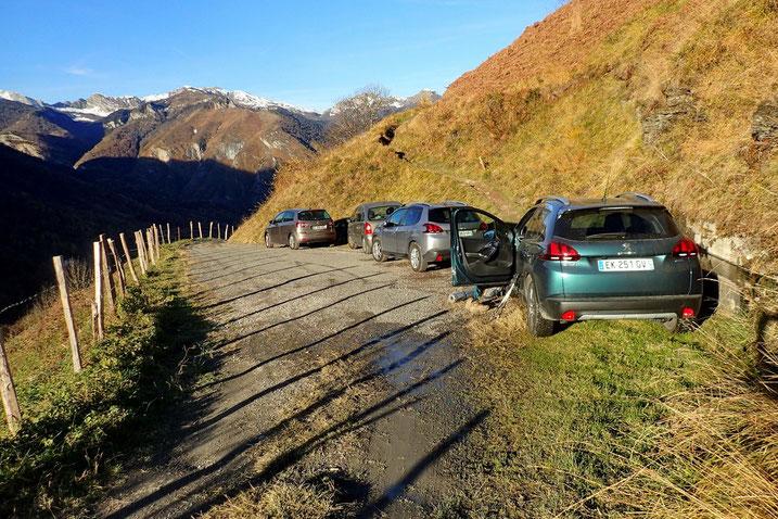 Parking au dessus de Aas (916m).