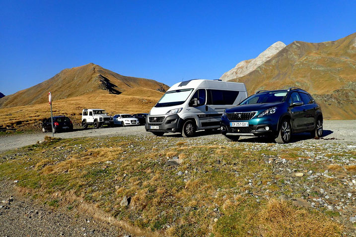 Parking du col des Tentes (2207m).