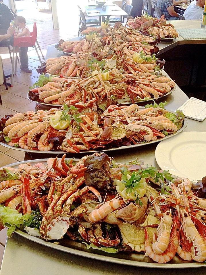 En el último banquete celebrado por una comunión no faltó de nada en El Marino Rotes