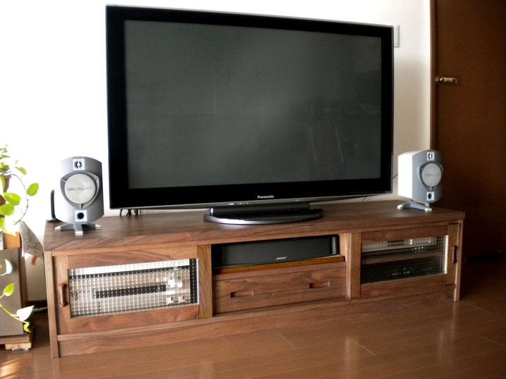 ウォルナットの框組テレビボード(横浜市・N様邸)納品後