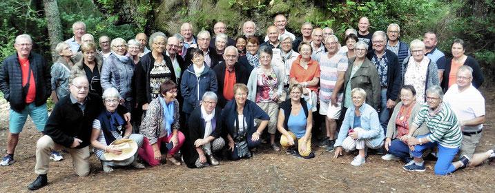 Photo de groupe pour les quarante neuf participants du séjour au sud de la Corse à Propriano