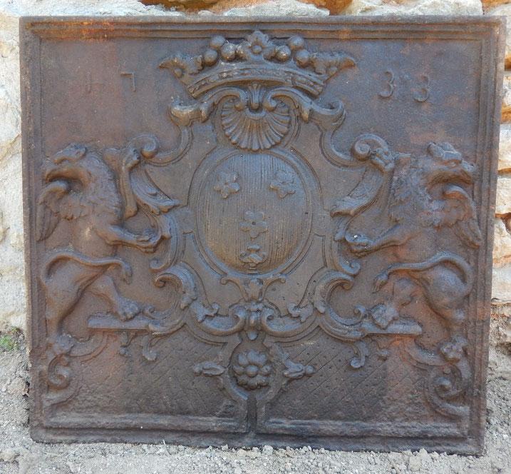 grande plaque de cheminée en fonte epoque régence