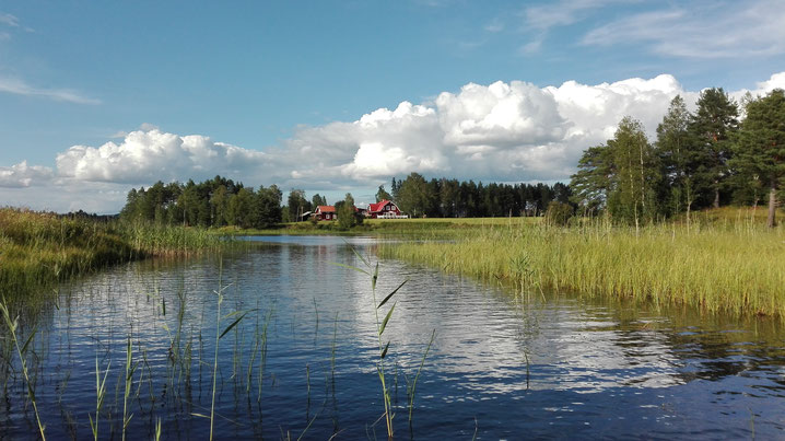 """Holiday house """"gammal stugan"""" near by the lake"""