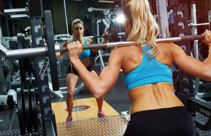 Woman-Back-Squat-Rossendale-Gym