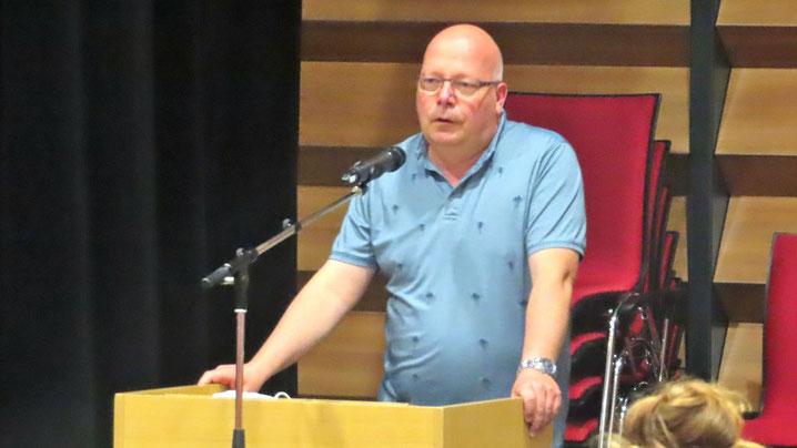 Dirk Salewsky (Grüne) brachte in seiner Funktion als Vorsitzender des Finanzausschusses den Antrag ein