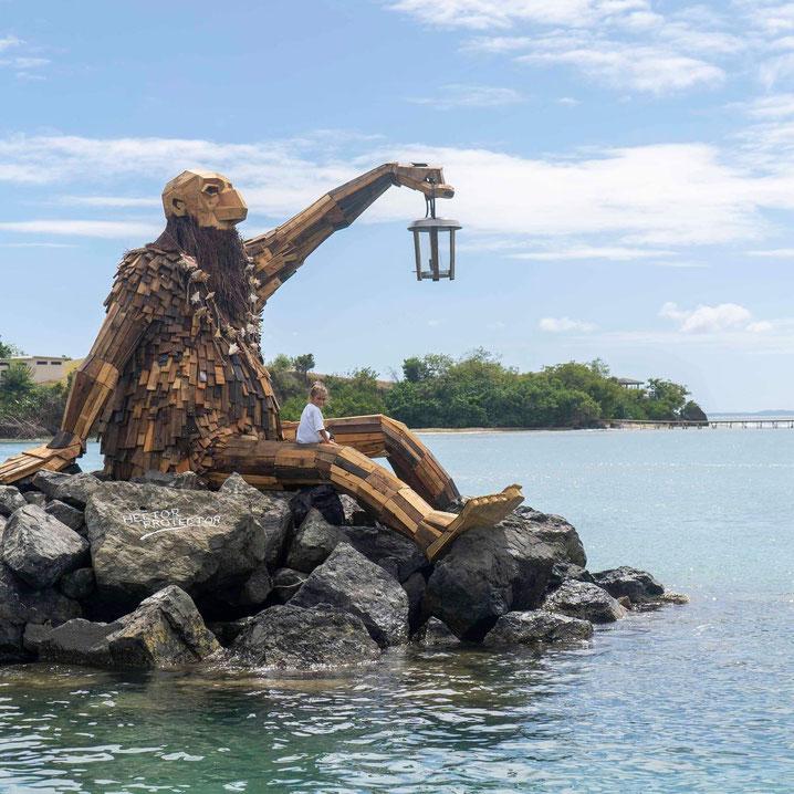 """""""Hector el protector"""" ist entstanden beim Kunstfestival Culebra Es Ley auf der Insel Culebra in Puerto Rico. 2014. Foto: Thomas Dambo/PR"""