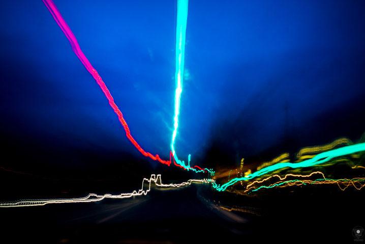 projekt flyinglandscape autobahn ekg 201205| www.visovio.de fotografie und fotokunst |   abstraktefotografie farbrauschen autobahn farbexplosion ekg