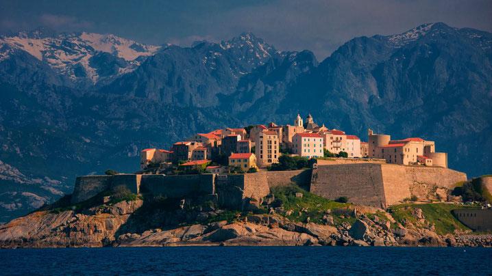 La Corse du nord au sud