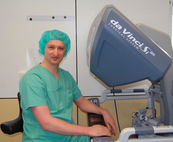 Dr. med. Maxim Janowski, Facharzt für Urologie, Urologe, Spezialist für Roboter-Chirurgie, Endourologie, ambulantes Operieren, Velbert, Offerstraße 29