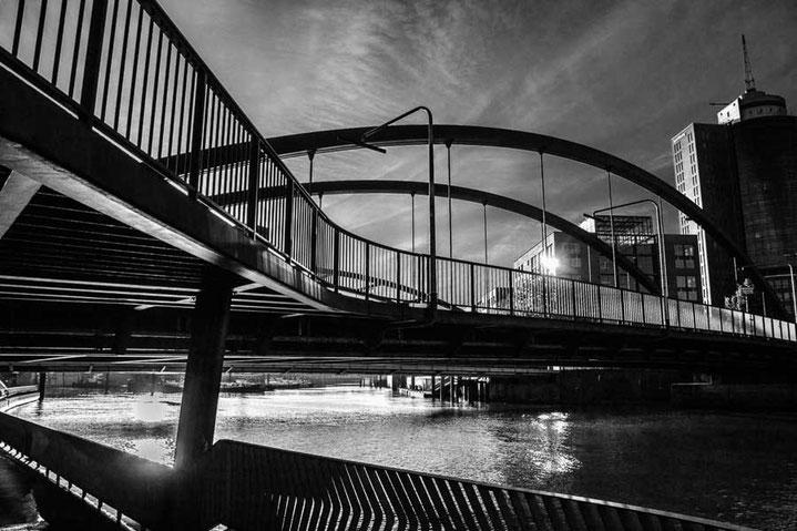 Hamburg Monochrom Brücke Baumwall Speicherstadt