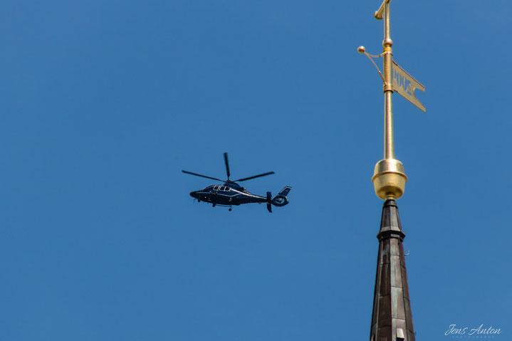 Hubschrauber im Einsatz über Hamburg