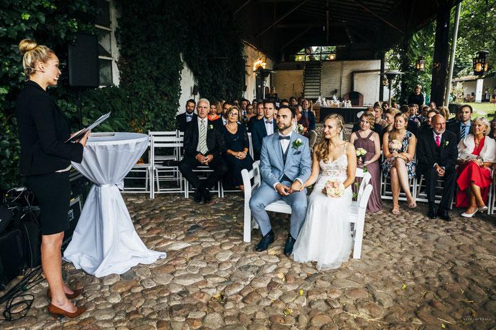 Hochzeit Gut Haidehof Freie Trauung draußen