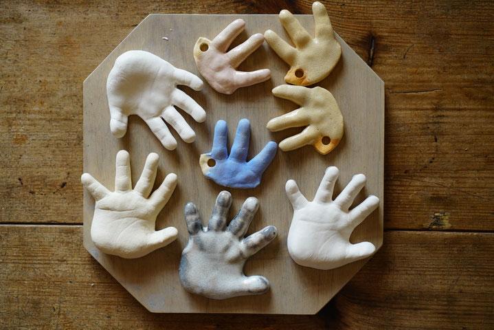 陶芸家 ブログ 焼き物 陶芸作品 茨城県笠間市 手形 足形 赤ちゃんの手 子供の手 立体手形 粘土手形