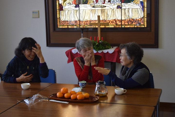 このお三かたのみならず、笑顔の多い旭東教会、のような気がします。伝統でしょうか。