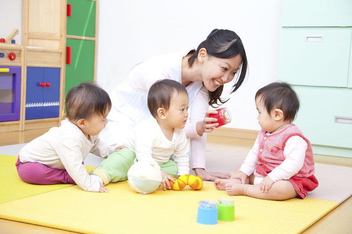 教師・保育士・幼稚園教師でマッチング