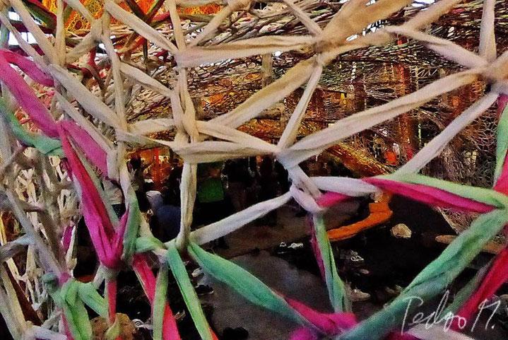 Pedro Meier – Ernesto Neto – »Gaia Mother Tree« – Zurich HB, geknüpfte Baumwolle – Fondation Beyeler Riehen, Basel. © Pedro Meier Multimedia Artist, Atelier Gerhard Meier Weg Niederbipp / Bangkok Golf von Thailand – FLUXUS DADA, DiaryArt, Visarte, SIKART