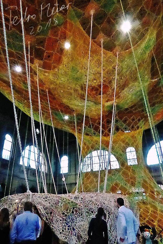Pedro Meier – Ernesto Neto – »Gaia Mother Tree« – Zurich HB,3 geknüpfte Baumwolle – Fondation Beyeler Riehen, Basel. © Pedro Meier Multimedia Artist, Atelier Gerhard Meier Weg Niederbipp / Bangkok Golf von Thailand – FLUXUS DADA, DiaryArt, Visarte, SIKART