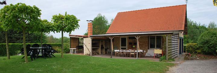 Belle petite salle en location sur Coudekerque Branche à 1 km de Dunkerque proche de A16.