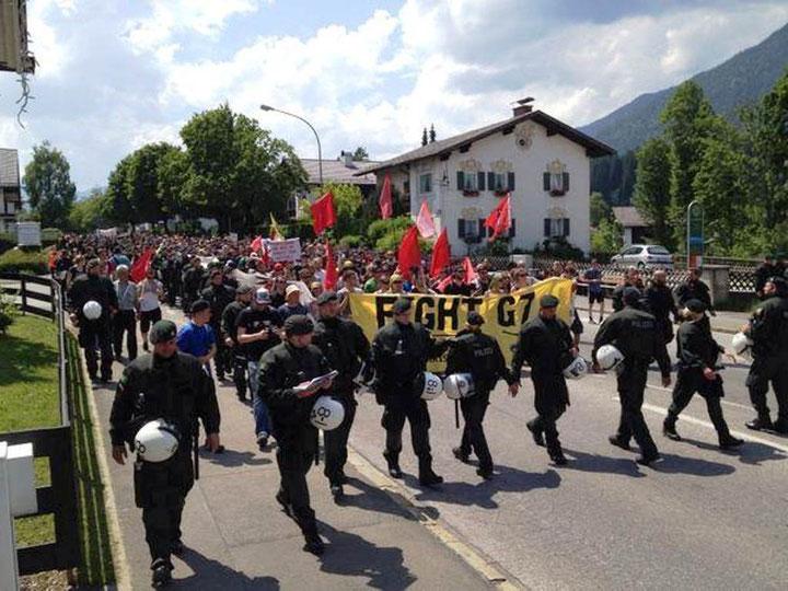 Indledende anti-G7 demo i alpebyen Garmisch-Partenkirchen, d. 5. juni