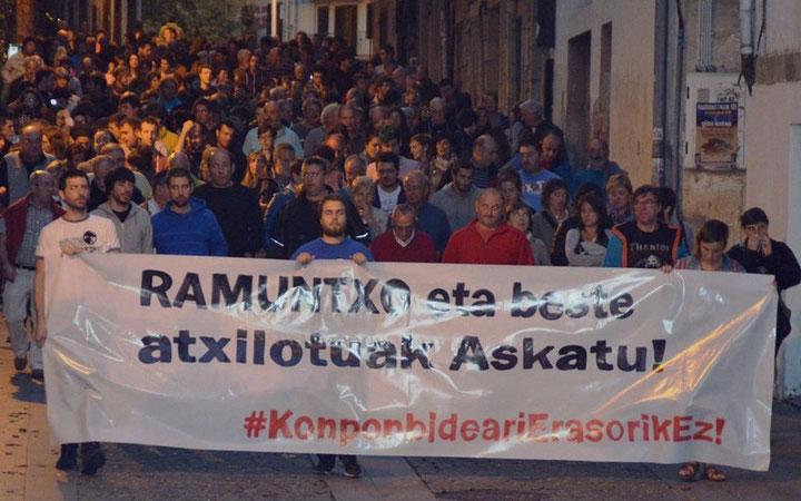 Protestdemo den 23. september 2015 imod fængsling af de tre Etarras i den franske del af Baskerlandet