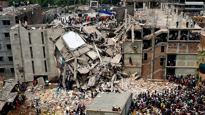 Den sammenstyrtede tekstilfabrik Rana Plaza i Bangladesh, april 2013