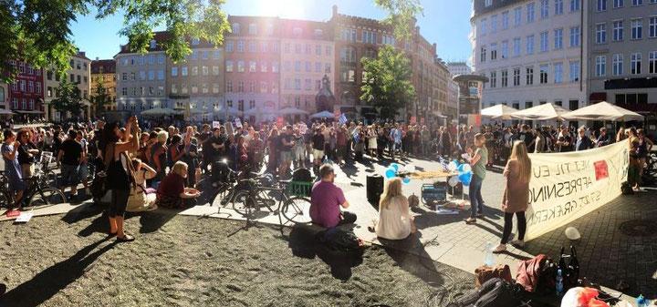 Solidaritetsmanifestation for grækernes selvbestemmelsesret på Kultorvet i  København, d. 2. juli 2015