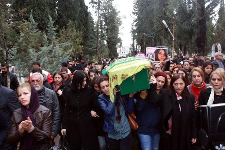 Begravelsen af Özgecan Aslani weekenden