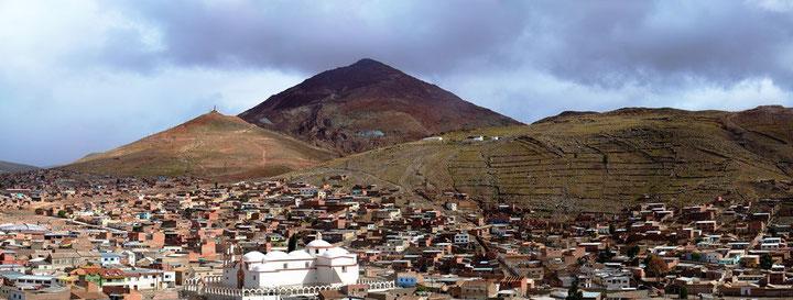 Byen Potosi med bjerget Cerro Rico i baggrunden