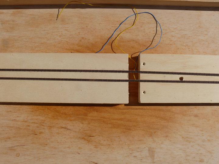 Bild 73: Schwellen und Schienen mit Rostbraun grundiert.