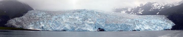 Aialik-Gletscher ist 7 km lang und befindet sich im Kenai Fjords Nationalpark. Zum vergrößern bitte auf das Bild klicken!