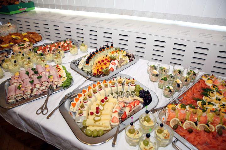 ein köstliches Buffet vom Bistro Oberheinricher erfreute den Gaumen des Publikums