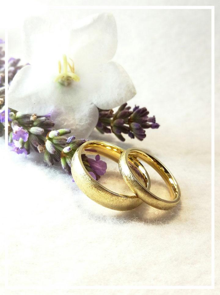Für jeden Tag und das ganze gemeinsame Leben! Gelbgold Eheringe einfach klassisch und schön!