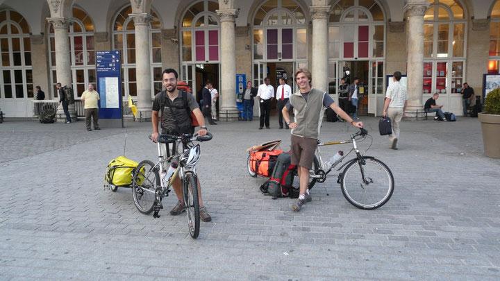 Devant la gare de l'Est, a quelques minutes du depart