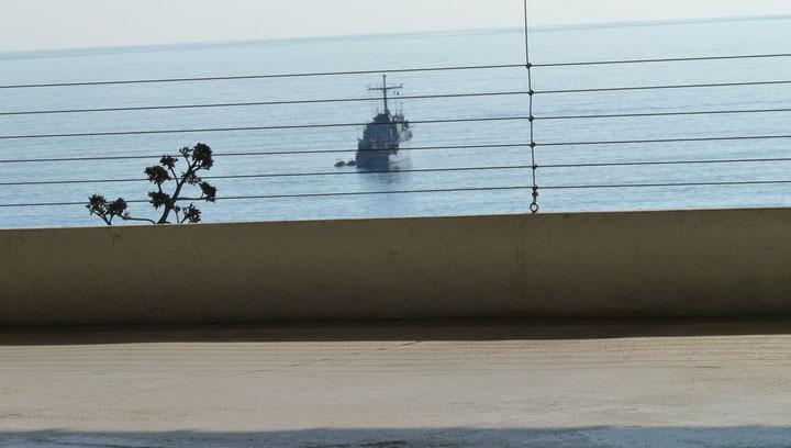 Le Lyre positionné au-dessus des deux torpilles anglaises