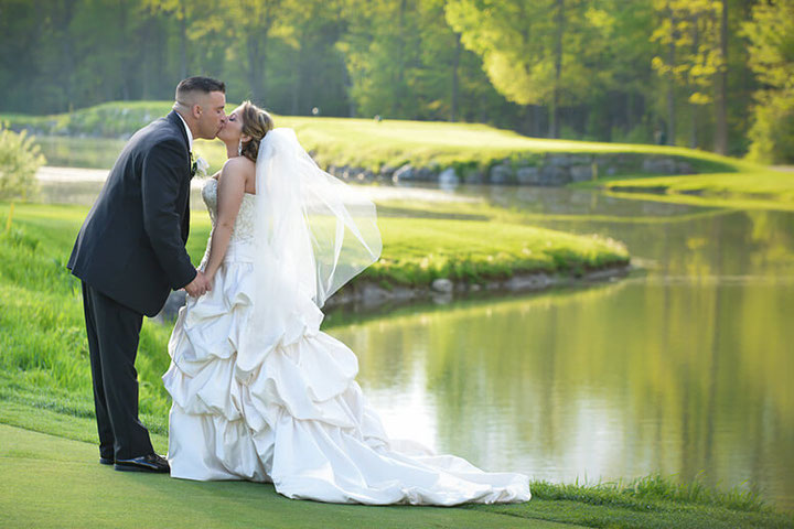 Want affordable New Jersey wedding venues? Want ideas for a golf club wedding reception, a country house wedding, mansion wedding venues or a museum wedding reception? Get ideas for north Jersey wedding venues & more. #wedding #njwedding #jerseywedding