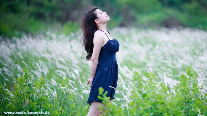 Klopfakupressur Seele baumelt baumeln lassen Meridiane Emotional Freedom Technique ganzheitliche Gesundheit Selbstbehandlung Klopfen Stress abbauen Blockaden lösen