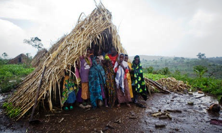 Disse mennesker fra området nær landsbyen Kicucula er blevet fordrevet fra skovområderne i Mubende - regionen I Uganda