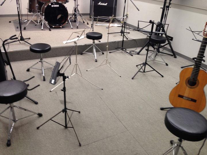 小学生のウクレレ&ギター合奏練習日