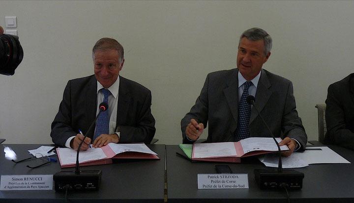 Simon Renucci et Patrick Strzoda signataires de la convention du PDU d'Ajaccio (Photo Marilyne Santi)