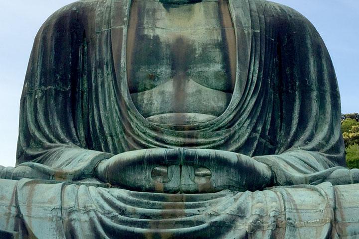 深い瞑想に入り鎌倉を見守る鎌倉大仏