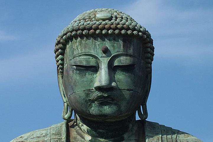 仏像の額にある特徴的な「白毫(びゃくごう)」