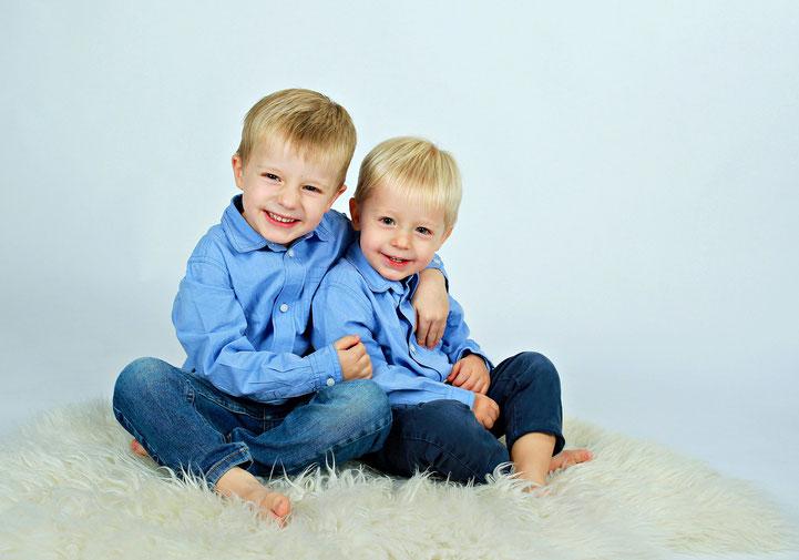 http://www.moderne-kindergartenfotografie.de/