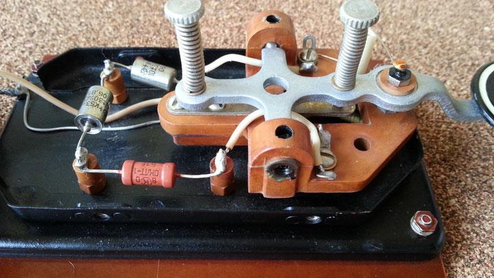 Russian Air force Telegraph key B12 model - particular of cutting sistem