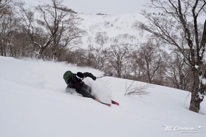 Skier : Yuki Kuwabara (PeakPerformance)